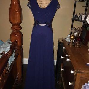 NWT Beautiful formal floor length dress